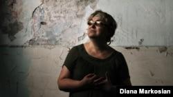 Бесландағы 2004 жылғы терактіде ұлы мен қызынан айрылған Надежда Гуриева. 29 тамыз 2014 жыл.