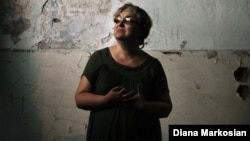 Потерявшая двоих детей в бесланской трагедии Надежда Гуриев. Беслан, 29 августа 2014 года.