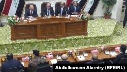 رئيس الوزراء حيد العبادي في جلسة لمجلس محافظة البصرة