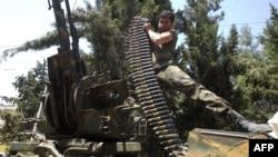 Pamje të makinerisë luftarake që përdorin palët e përfshira në konfliktin në Siri