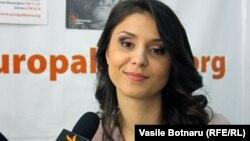 Valentina Nafornița în studioul Europei Libere la Chișinău
