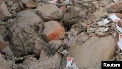 Продолжаются поисковые работы на месте обрушения фабричного комплекса в Бангладеш