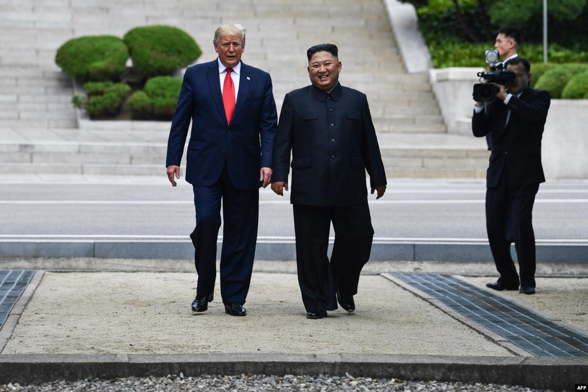 Встреча Трампа и Кима: президент США впервые ступил на северокорейскую землю