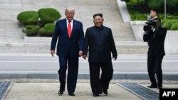 Дональд Трамп һәм Ким Чен Ын