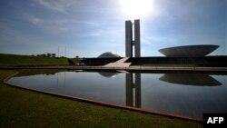 Бразилия: Оскар Нимейердин архитектуралык долбоору боюнча курулган Конгресс сарайы