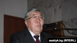 Жумагул Сааданбеков, коомдук ишмер, Кыргызстандын Казакстандагы мурдагы элчиси.