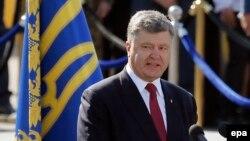 Президент Украины Петр Порошенко выступает во время празднования Дня Независимости Украины. Киев, 24 августа 2015 года.