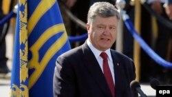 Петро Порошенко під час виступу в центрі Києва, 24 серпня 2015 року