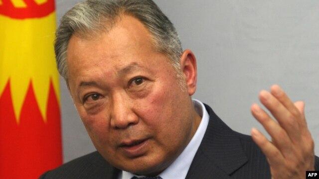 Former Kyrgyz President Kurmanbek Bakiev holds a press conference in Minsk in June 2010.