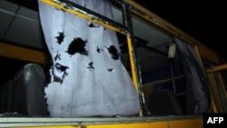 Обстрелянный под Волновахой автобус. Донецкая область, 13 января 2015 года.