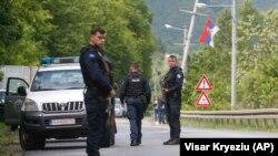 Косовские полицейские в селении Кабра, 28 мая 2019