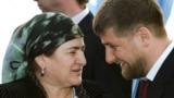 Нохчийчоьнан президент Кадыров Рмазан шен ненаца Айманица 2007-чу шарахь Гуьмсехь инаугураци хиллачул тIаьхьа