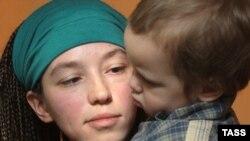 Наталья Сокол с сыном Каспером