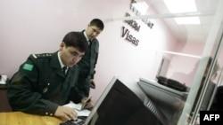 Про заборону на виїзд з країни влада Туркменистану офіційно не оголошує