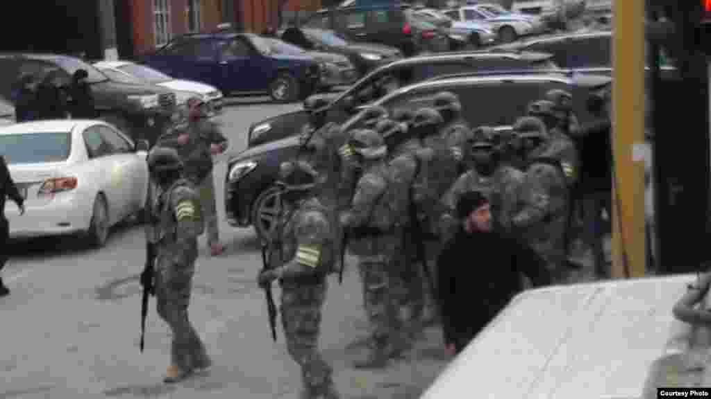 Спецоперация проходила с раннего утра 11 января в нескольких населенных пунктах Курчалоевского района Чечни