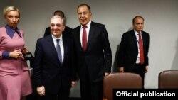Встреча министров иностранных дел Армении и России - Зограба Мнацаканяна (слева) и Сергея Лаврова в Нью-Йорке, 26 сентября 2018 г.