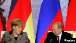 Канцлер Германии Ангела Меркель и президент России Владимир Путин.