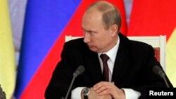 Ресей президенті Владимир Путин. Кремль, 16 қараша 2012 жыл. (Көрнекі сурет)
