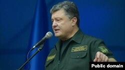 Петро Порошенко. Архівне фото, Маріуполь, 8 вересня 2014 року