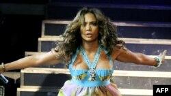 Amerikan aýdymçysy Jennifer Lopez.
