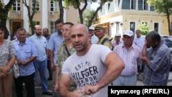 Ватан Карабаш, который совершил попытку самосожжения, Симферополь, 3 августа 2018 года