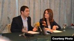 Сабина Факиќ и Герман Филков од Центарот за граѓански комуникации