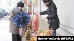 Prodaja i kupovina badnjaka na ulicama Kragujevca