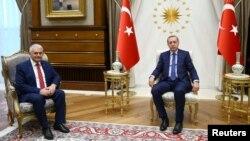Թուրքիայի նախագահ Ռեջեփ Էրդողան և վարչապետ Բինալի Յըլդըրըմ, արխիվ