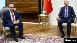 Թուրքիայի նախագահ Ռեջեփ Էրդողան, վարչապետ Բինալի Յըլդըրըմ, արխիվ