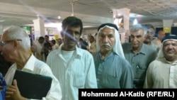 متقاعدون في جمعية رعاية المتقاعدين في الموصل