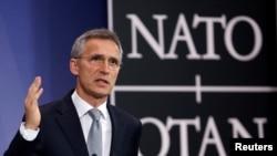 НАТОнун баш катчысы Йенс Столтенберг маалымат жыйынында.
