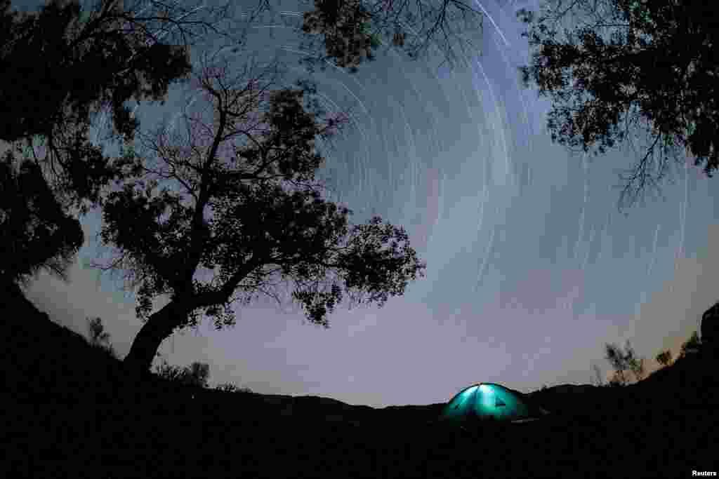 Ночное небо над национальным парком в Алматинской области.