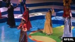 """Tajikistan -- Annual musical competition """"Surudi sol"""" in Dushanbe, Tajikistan, 01May2008"""