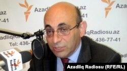 Арестованный политолог и конфликтолог Ариф Юнус, 2011