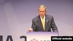 Президент Жорж Буш АТЭКтин былтыр Сиднейде өткөн форумунда