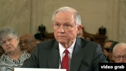 Джефф Сешнс во время сенатских слушаний 10 января 2017 года.