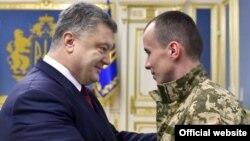 Зустріч з президентом Петром Порошенком після звільнення з полону, 19 грудня 2016 року