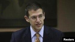 آدام زوبین میگوید لغو تحریمهای ایران تنها مواردی را در بر میگیرد که در چارچوب برجام مورد تاکید قرار گرفته است.