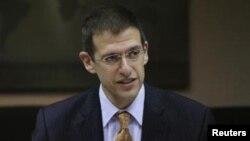 Виконувач обов'язків заступника міністра фінансів США з питань протидії тероризмові і фінансової розвідки Адам Зубін