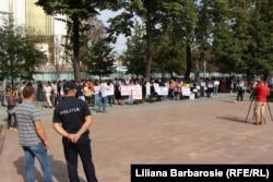 La protestul din fața Parlamentului