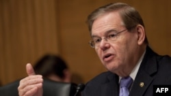 U.S. Senator Robert Menendez has accused the Obama administration of dragging its feet on sanctions against Tehran over its controversial nuclear program.