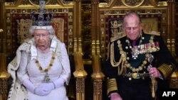 Королева Великобритании Елизавета II и Принц Филипп. Лондон, 27 мая 2015 года.