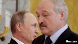 Уладзімір Пуцін і Аляксандар Лукашэнка, архіўнае фота