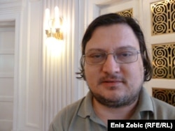 Tihomir Ponoš, novinar