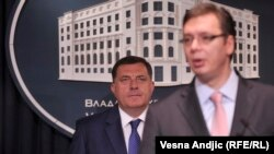 Aleksandar Vučić (D) i Milorad Dodik (L)