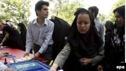 Իրան -- Իրանցիները քվեարկում են նախագահական ընտրություններում, Թեհրան 12Jun2009