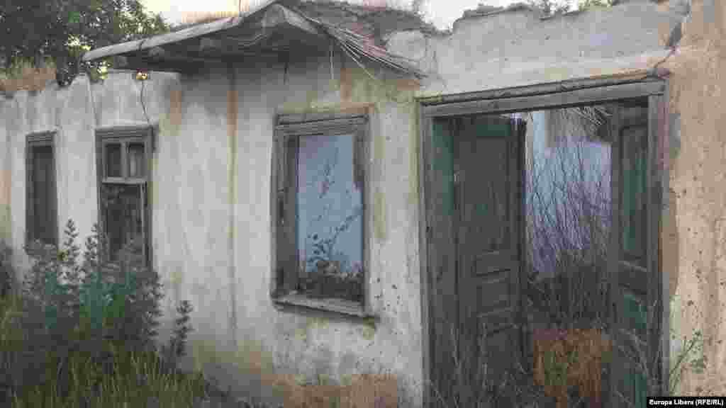Руины жилого дома
