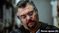 Издателят Манол Пейков