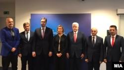 Заедничка фотографија од претходната средба на шефицата на европската дипломатија Федерика Могерини со премиерите на земјите од Западен Балкан во Брисел на 24 мај 2017.