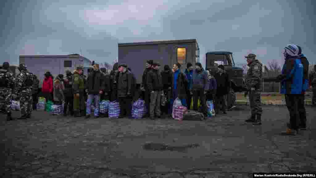 Згодом представники української сторона вирушать на не підконтрольну Києву територію, а в окуповану Горлівку